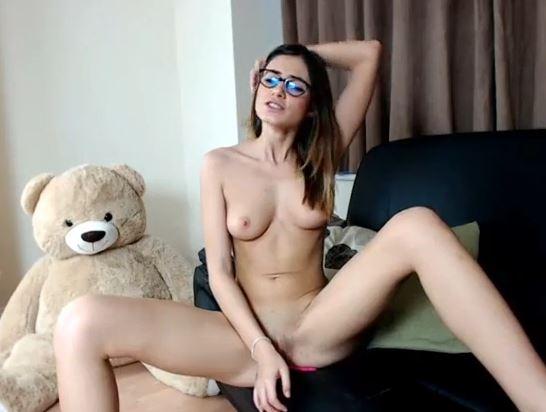 Preciosa modelo webcam con gafas, escort de lujo xxx