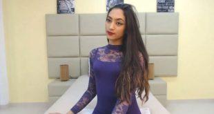 chica latina muy guapa chateando xxx